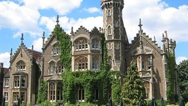 the-real-hammer-house-of-horror-oakley-court-hotel-windsor