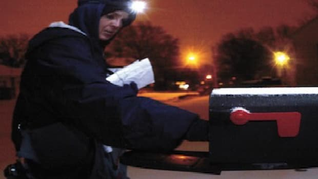 how-to-deliver-mail-in-the-dark-city-carrier-assistant-cca-tips-and-tricks