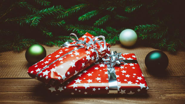 great-christmas-gifts-ideas-for-your-employees