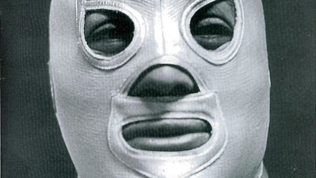 el-santo-man-and-myth