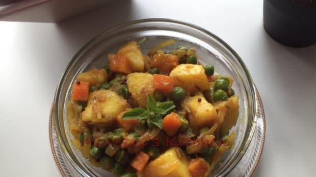 potatoe-pea-and-carrot-curry