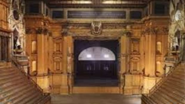 proscenium-arch-aperture-of-hallowed-madness