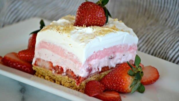 strawberry-birthday-cakes-recipes