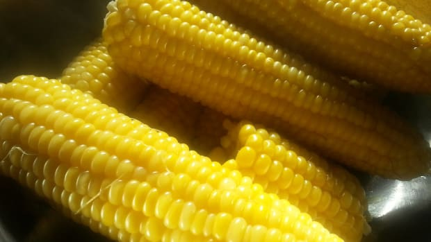 all-about-fruits-and-vegetables-sweet-corn