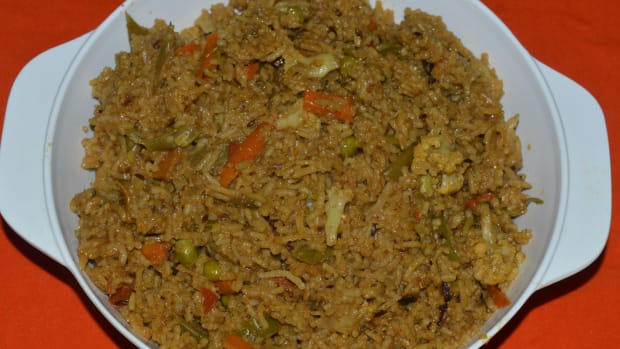 easy-recipes-making-vegetable-biryani-in-a-pressure-cooker