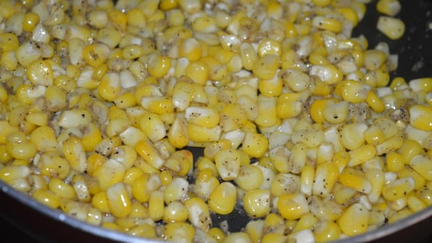 kid-recipes-how-to-make-butter-sweet-corn-in-10-minutes
