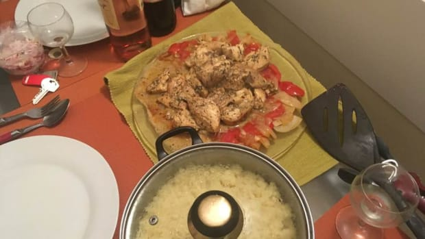 tender-lemony-tarragon-chicken-with-garlic-cloves-recipe