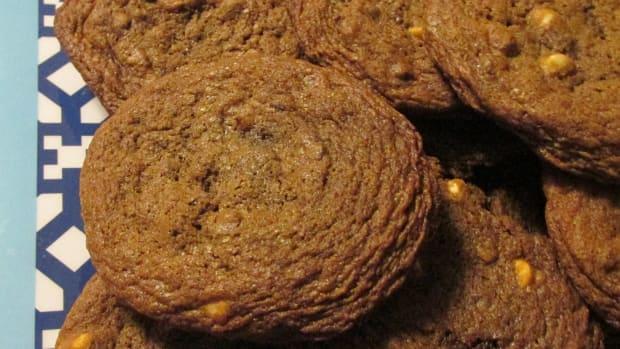 tripple-chocolate-chunk-cookies