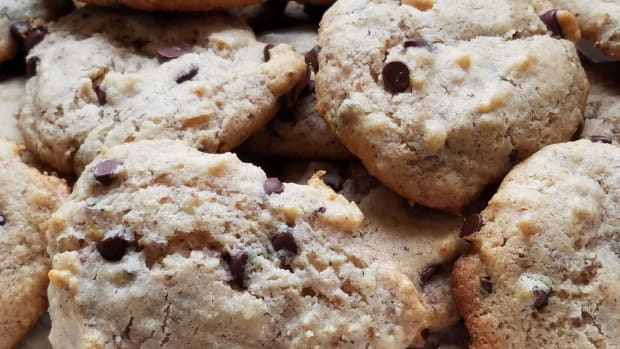 gluten-free-maple-walnut-chocolate-chip-cookies