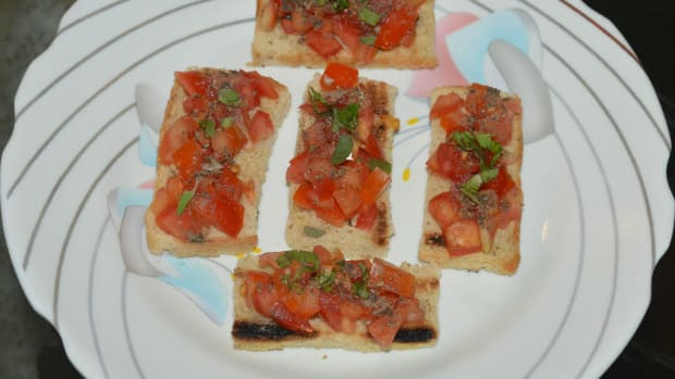 how-to-make-italian-tomato-basil-bruschetta
