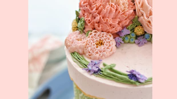 cake-decorating-basics-how-to-achieve-the-perfect-buttercream-finish