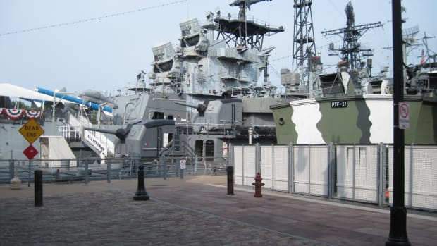 visit-the-buffalo-and-erie-county-naval-military-park