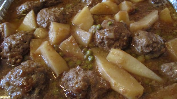 moms-cooking-an-easy-to-make-meatball-stew-recipe