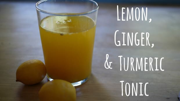 how-to-make-homemade-drink-turmeric-tonic-root-for-joint-pain