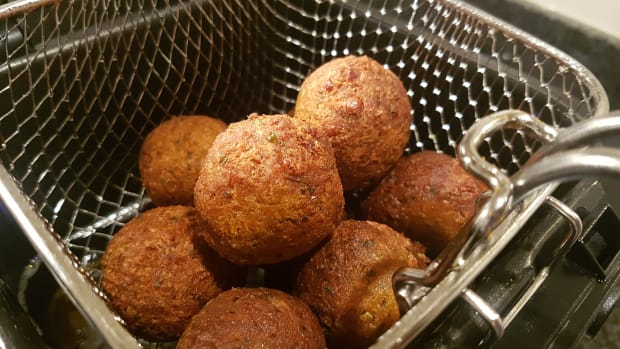 easy-falafel-recipe-using-canned-chickpeas