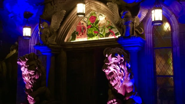 be-our-guest-an-enchanted-disney-dining-experience