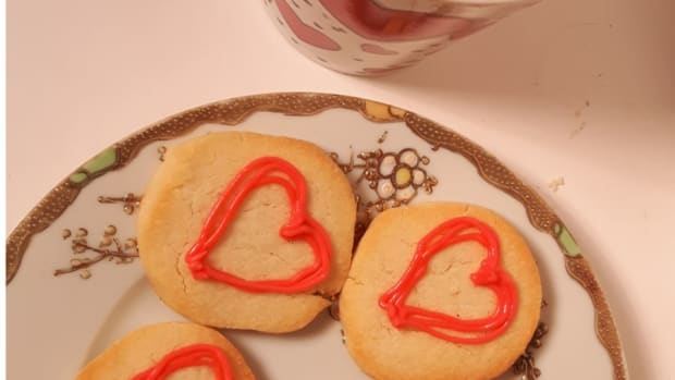how-to-make-easy-valentine-cookies-when-you-dont-know-how