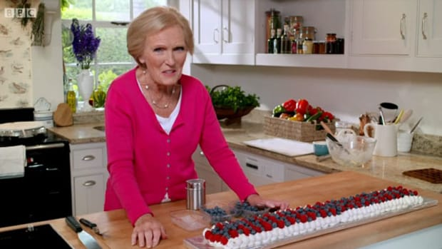 mary-berrys-favourite-recipes-cookery-book-review