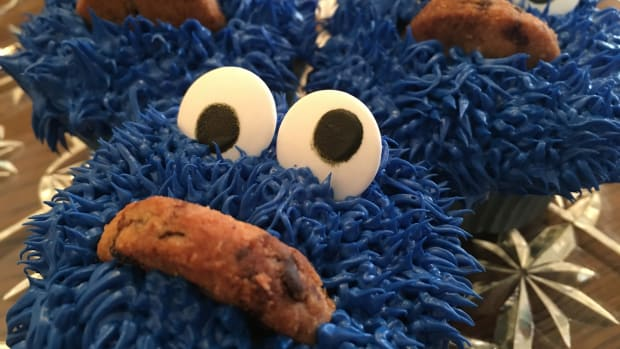 easy-cookie-monster-cupcakes