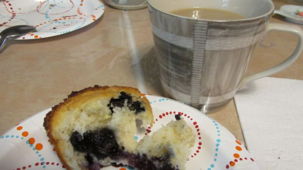 blueberry-banana-muffins-with-sour-cream