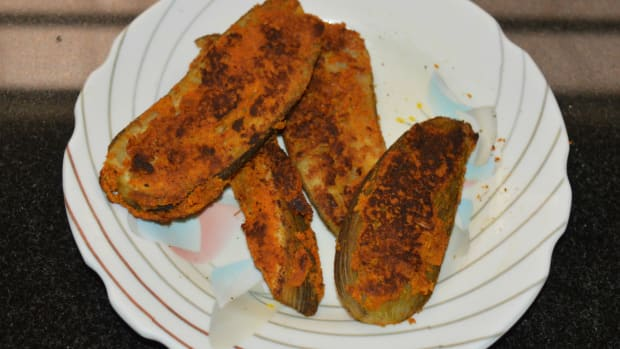 tasty-snacks-roasted-raw-banana-or-pan-fried-banana