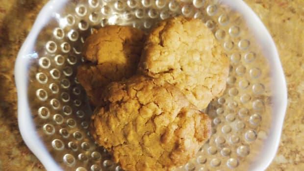 grandmas-homemade-peanut-butter-oatmeal-cookies