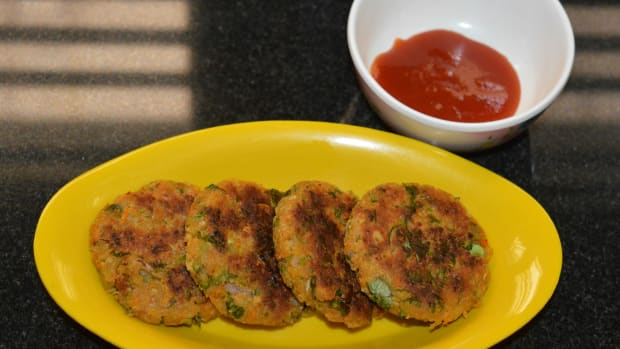 spiced-vegetable-cakes-with-chickpeas-or-chickpeas-vegetable-fritters