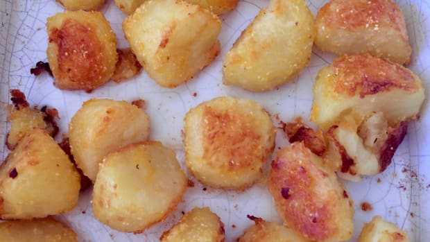 how-to-make-the-perfect-roast-potatoes-crisp-on-the-outside-and-soft-and-fluffy-in-the-centre