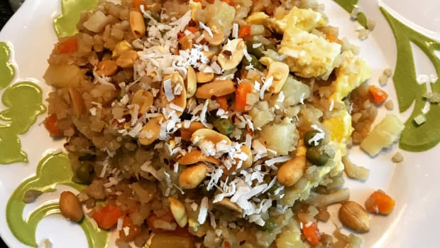 healthy-thai-pineapple-fried-cauliflower-rice-gluten-free