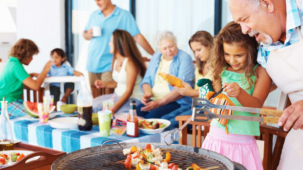 enjoying-cookouts-with-food-allergies