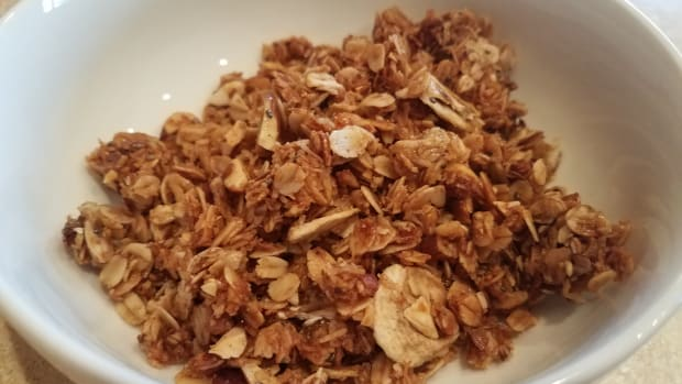 homemade-banana-bread-granola