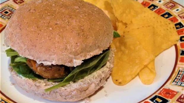 3-vegan-burger-recipes-mushroom-cashew-soya-mince-tempeh-carrot-or-tofu