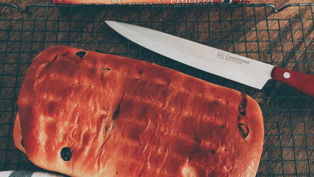 homemade-raisin-cinnamon-swirl-bread