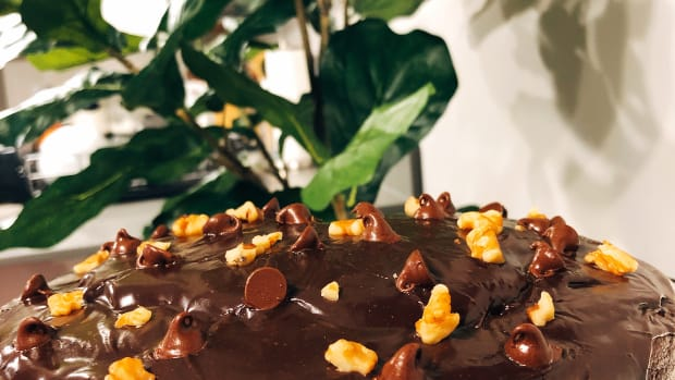 how-to-make-a-moist-chocolate-cake