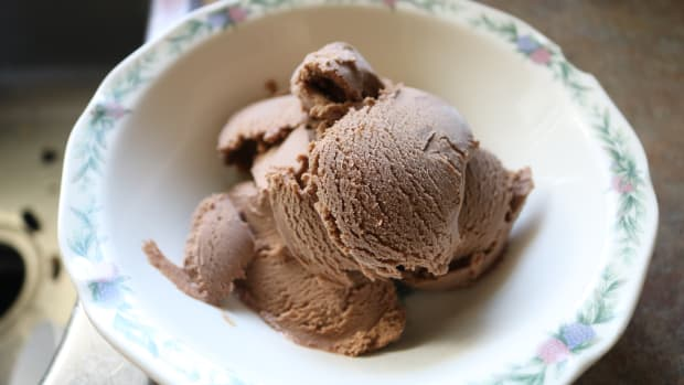 decadent-homemade-chocolate-ice-cream