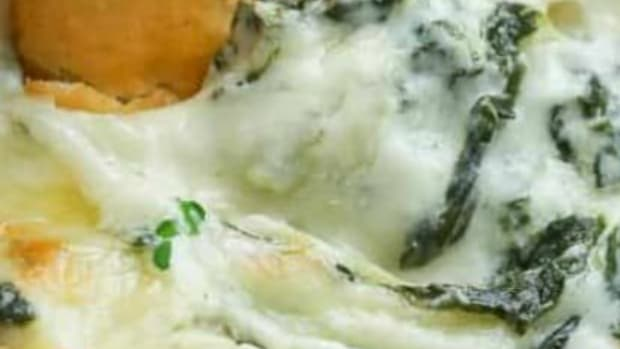 ultimate-cheese-lovers-hot-cheesy-spinach-artichoke-dip