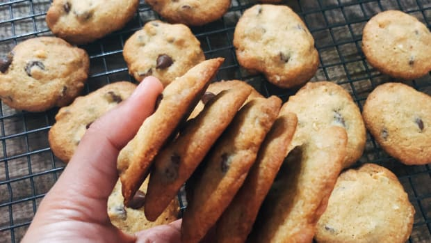 easy-homemade-crispy-chocolate-chips-cookies