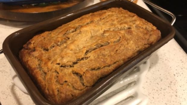moist-gluten-free-banana-bread