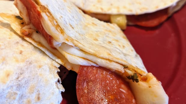 pizza-quesadilla-why-not-both-introducing-the-pizzadilla