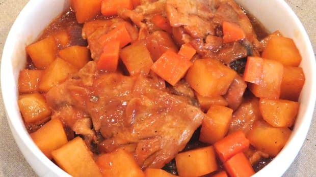 chicken-afritada-philippine-chicken-stew