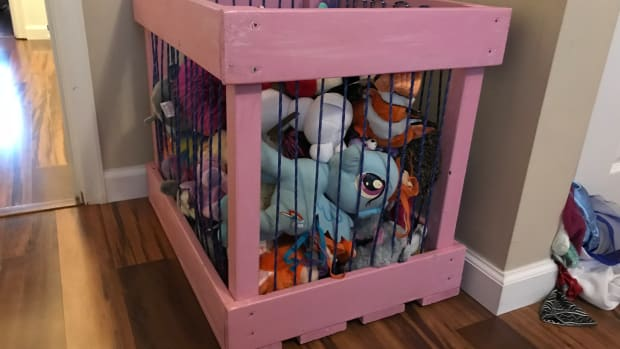 how-to-build-a-stuffed-animal-storage-cage