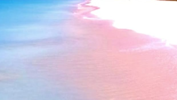 beaches-unusual-colour