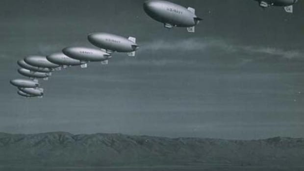 world-war-2-history-the-goodyear-blimp-goes-to-war