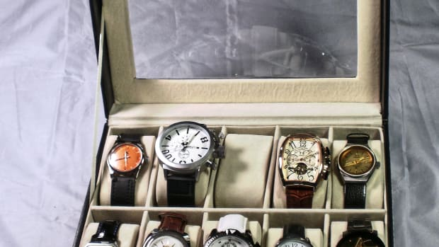 review-of-the-unbranded-vud63a-watch-display-case