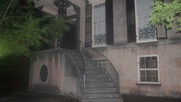 the-most-haunted-house-in-savannah-georgia