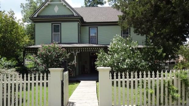 historic-houses-bain-honaker-house-in-texas