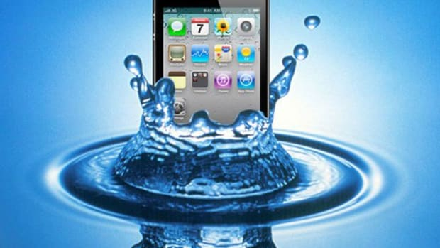 how-to-save-your-water-damaged-cell-phone