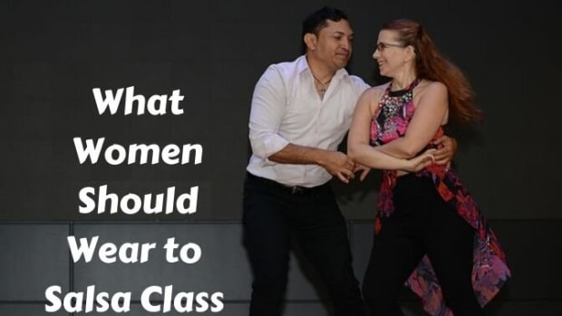 what-clothes-and-shoes-to-wear-for-private-salsa-dance-lessons-and-group-classes-for-women
