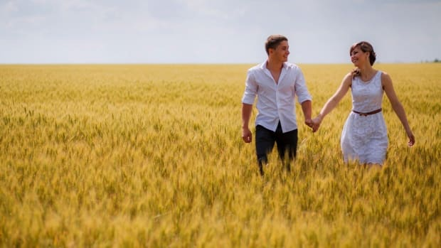 5-things-happy-couples-do