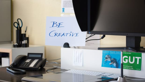 how-to-designate-and-design-your-own-creative-workspace